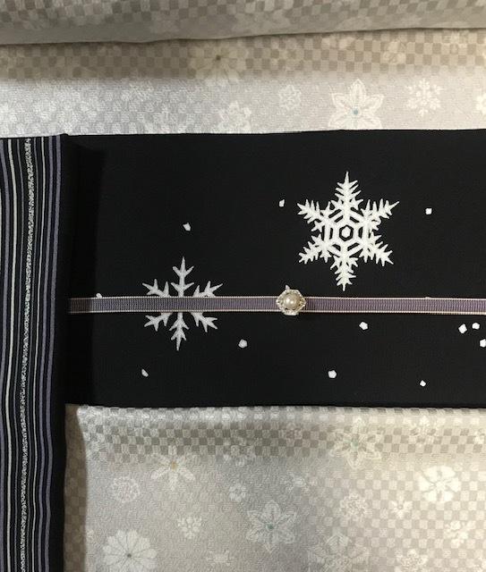商品紹介・雪だるま染帯と雪の結晶小紋・Xmas以外にも。_f0181251_19160429.jpg