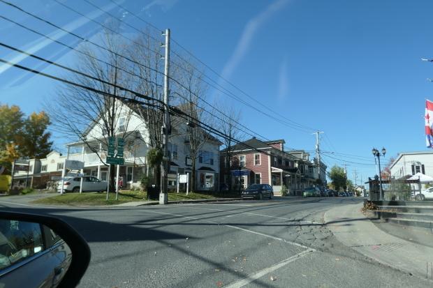 カナダ東部ドライブと、湖畔の絵_d0193569_08424872.jpg