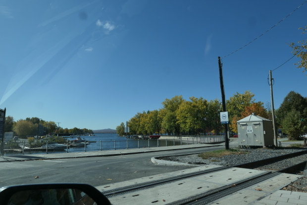 カナダ東部ドライブと、湖畔の絵_d0193569_08432225.jpg