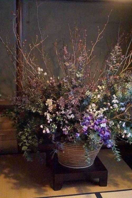 紅葉萌ゆ、そして静寂、侘び寂びへ。「金澤・花の茶屋」_b0151911_09373835.jpg