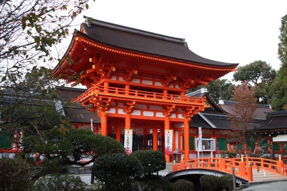 紅葉が盛り 上賀茂神社_e0048413_22565837.jpg