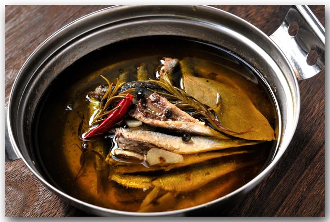 メシ通『魚介を使った簡単レシピ』 ☆ 目刺しでオイルサーディン!?_d0069838_10254483.jpg