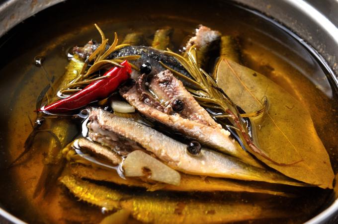 メシ通『魚介を使った簡単レシピ』 ☆ 目刺しでオイルサーディン!?_d0069838_10254874.jpg