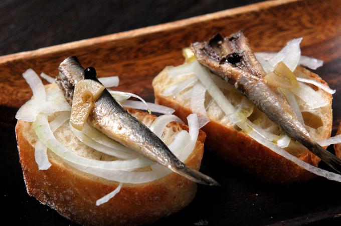 メシ通『魚介を使った簡単レシピ』 ☆ 目刺しでオイルサーディン!?_d0069838_10255996.jpg