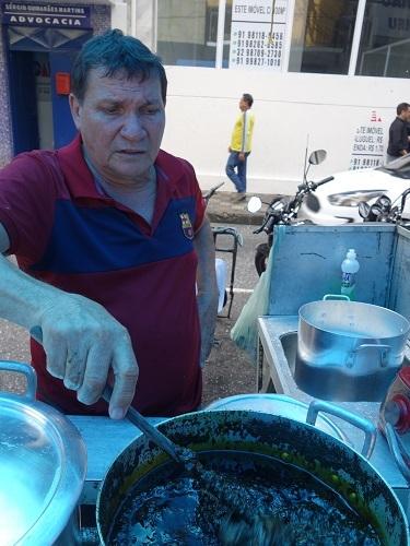 パラー州の郷土料理その3.キャッサバの葉の煮込み、マニソバ Maniçoba_c0030645_02202546.jpg