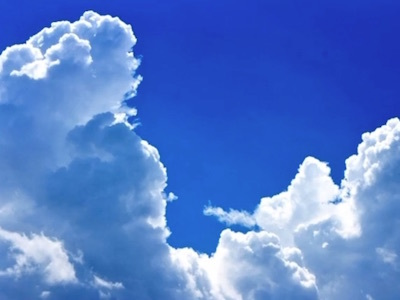 ひこうき雲は高すぎて、ジャコビニ彗星は遥かに遠く、海を見ていた午後はおぼろげにかすんで、後悔だらけの航海日誌のための空と海の輝きに向けた航海は始まっていなかった。_c0109850_21160084.jpg