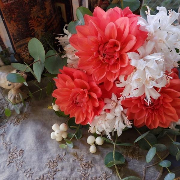 オークリーフ(ダリアオレンジストーンとダイヤモンドリリー)_f0049672_16581185.jpg
