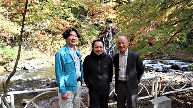 藤田八束の鉄道写真@青森空港でのお話、もみじ山の美しい秋、青森の素晴らしい秋と素敵な仲間で秋を堪能、素敵な秋をありがとう感謝しています_d0181492_18382530.jpg