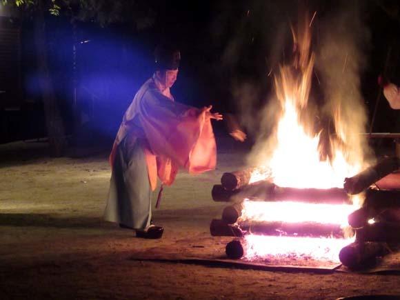 白峯神宮 火焚き祭_e0048413_22473504.jpg