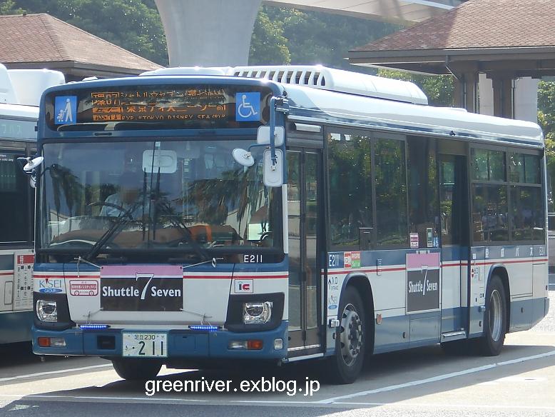 京成バス E211_e0004218_2071450.jpg