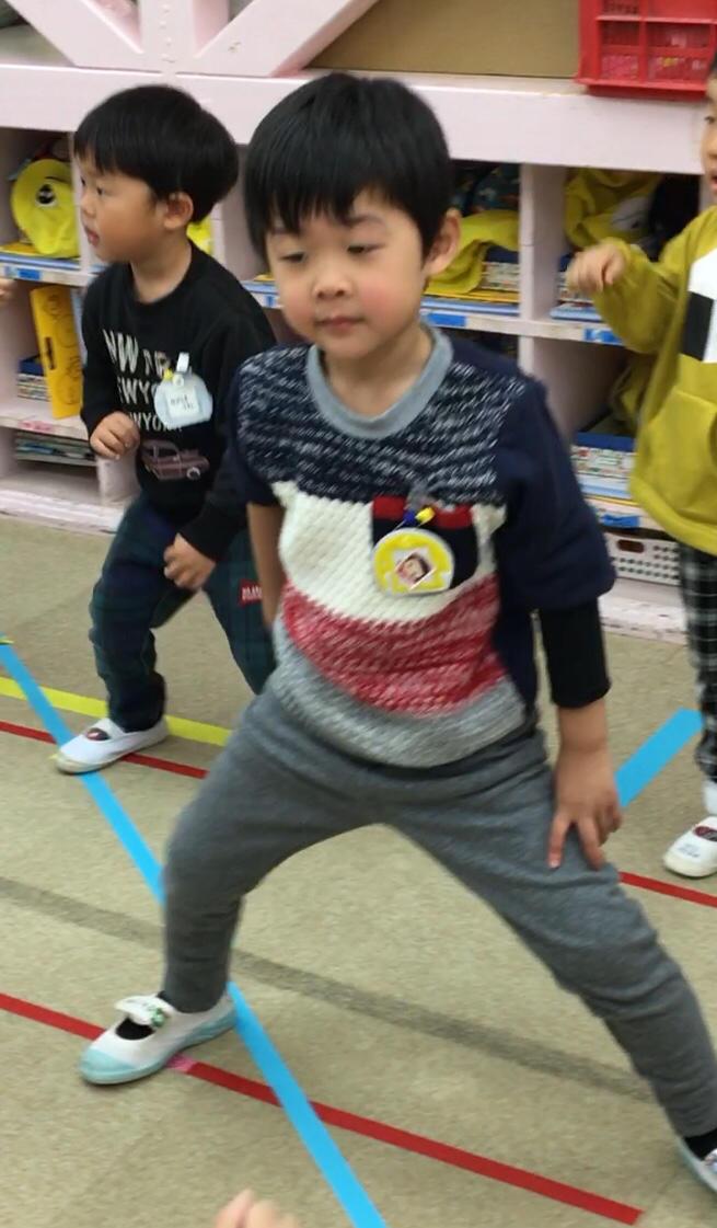 踊りが好きだよ( 出演はお友だち編 ) 年少組_e0412431_22212580.jpg