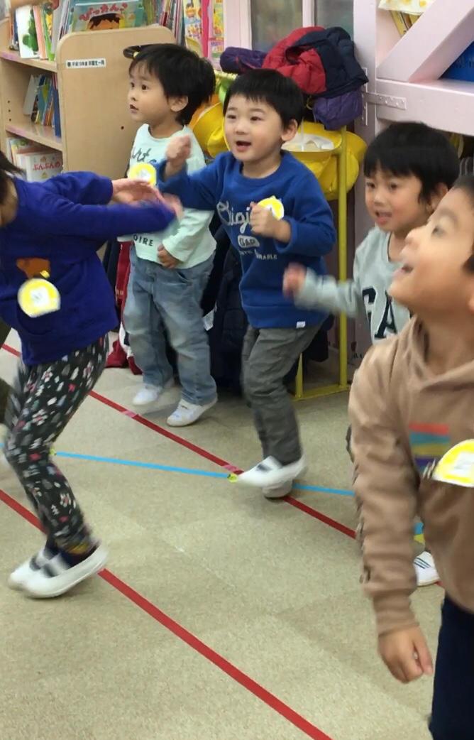 踊りが好きだよ( 出演はお友だち編 ) 年少組_e0412431_22574933.jpg