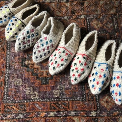 冬のおくりもの イランの手編み靴下展 東京おかっぱちゃんハウス_d0156336_16270065.jpg