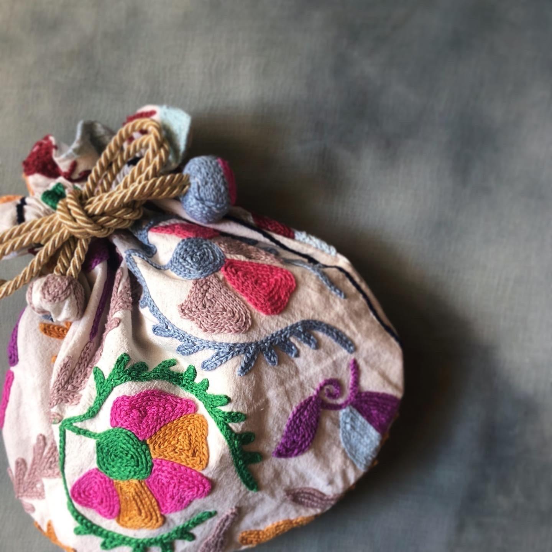 冬のおくりもの イランの手編み靴下展 東京おかっぱちゃんハウス_d0156336_16271905.jpg