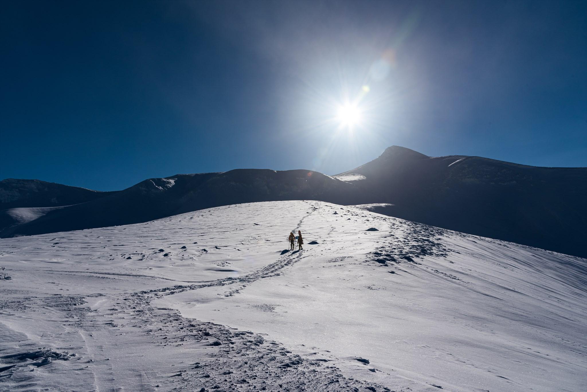 十勝岳へ向かって_e0373339_5554247.jpg