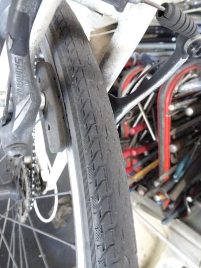 クロスバイク タイヤ交換~ロードバイク カスタム~_e0140354_15213565.jpg