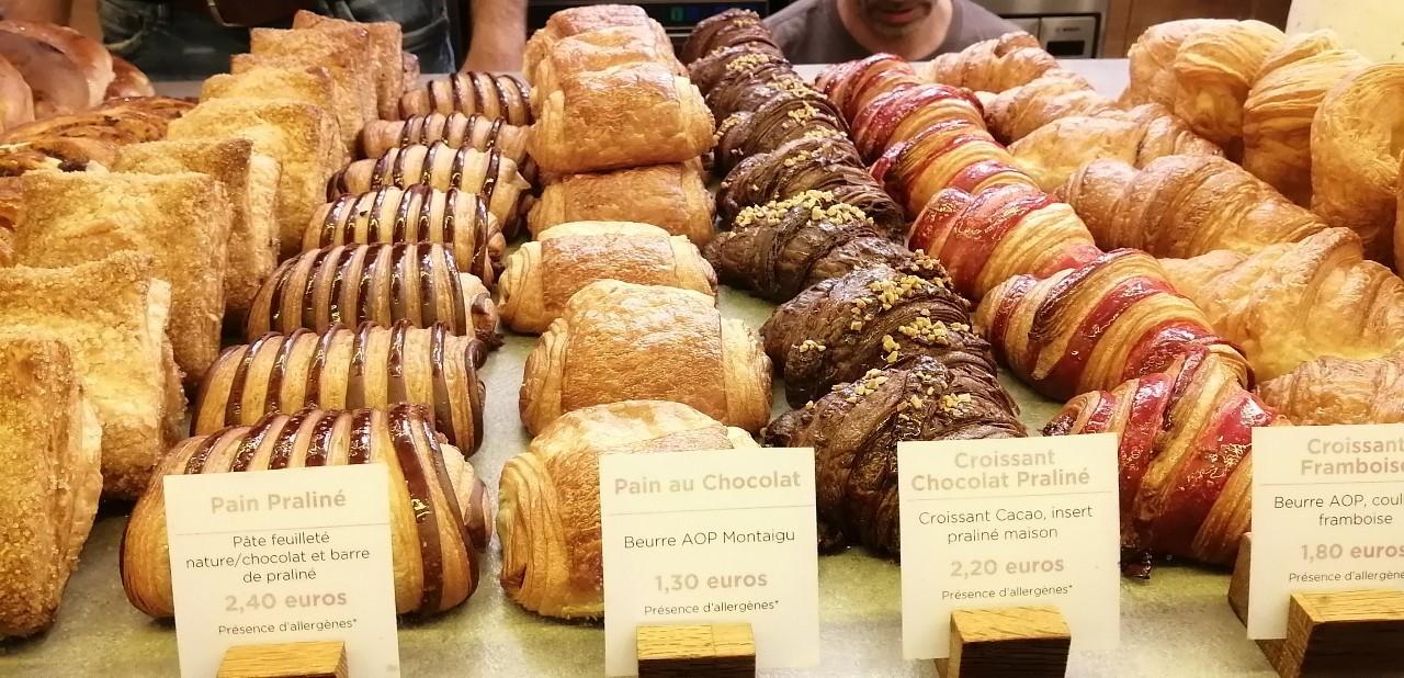パリ 人気のパン屋さんで朝食♪_b0060363_14180375.jpg