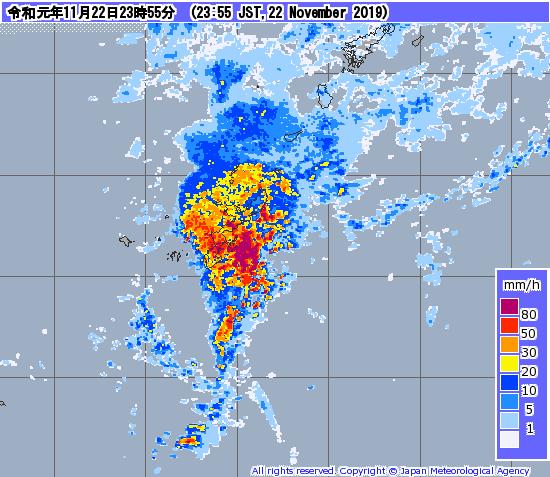 台風弱いけど大雨警報出てる_a0095470_00053054.png