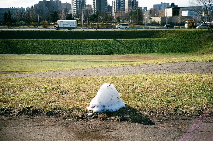 初雪の可愛い痕跡_c0182775_1685370.jpg