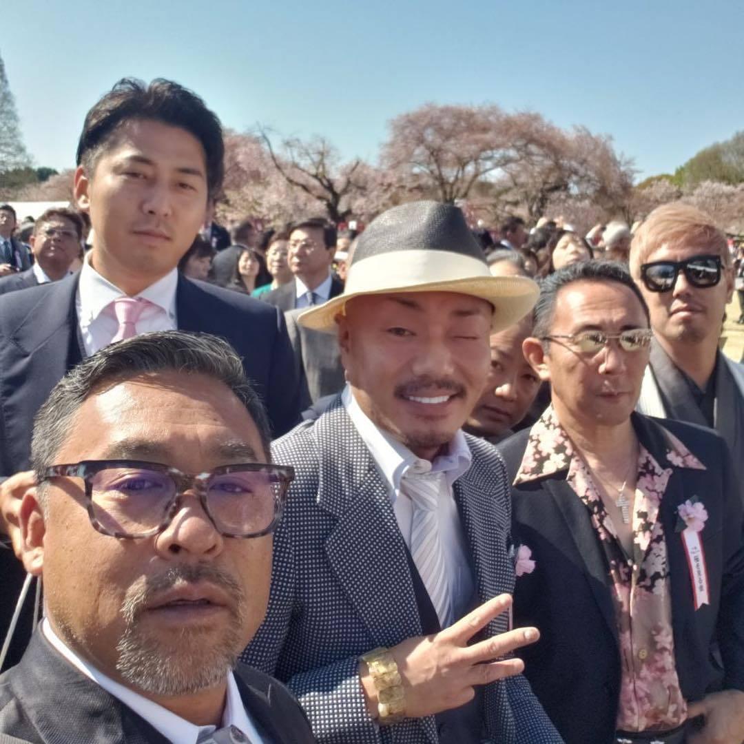 桜を見る会に指欠損、入れ墨_d0061678_16591132.jpg