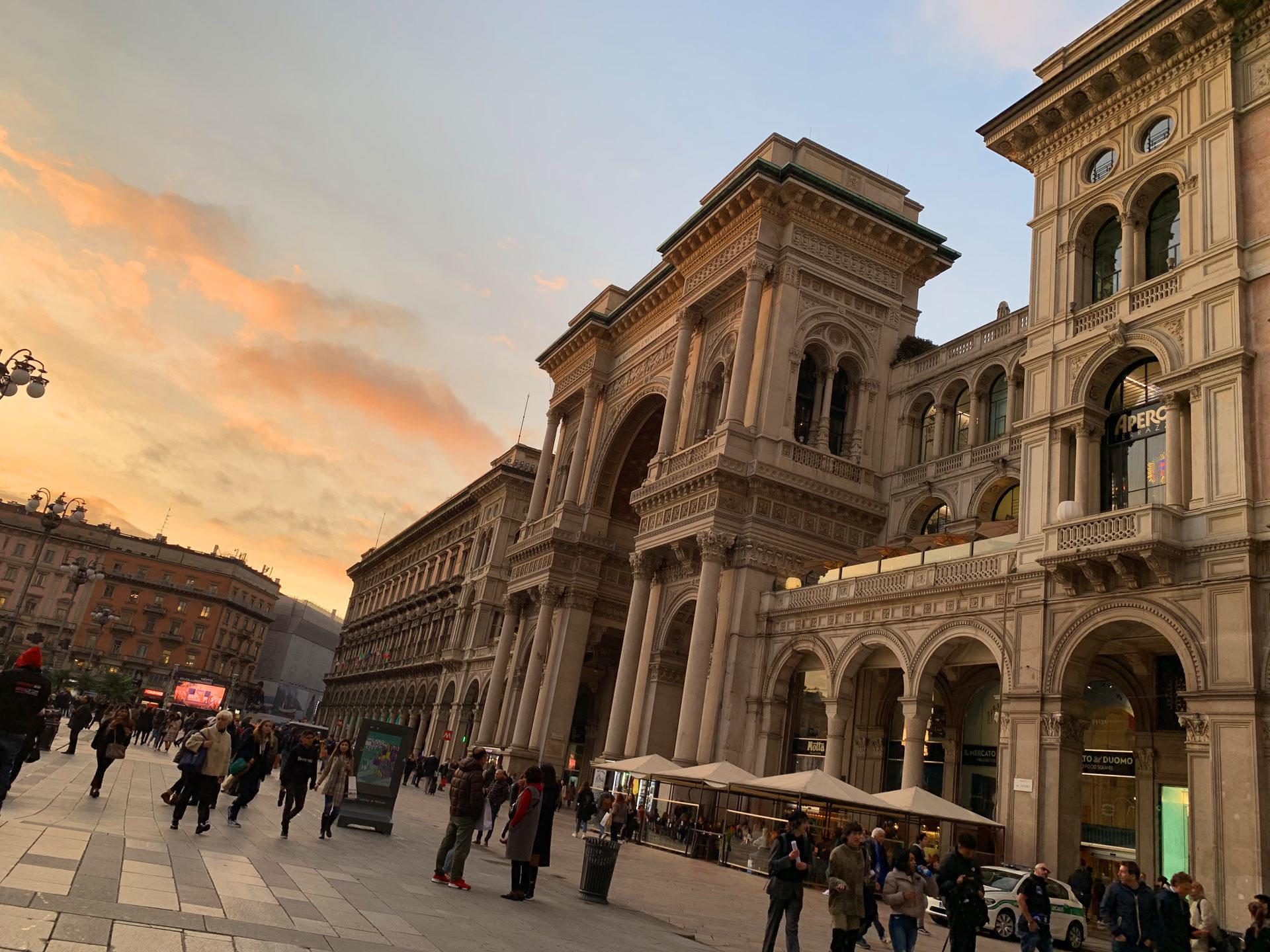 バイク天国☆イタリアの旅 その5 ミラノ街を散策_d0099181_11193501.jpg