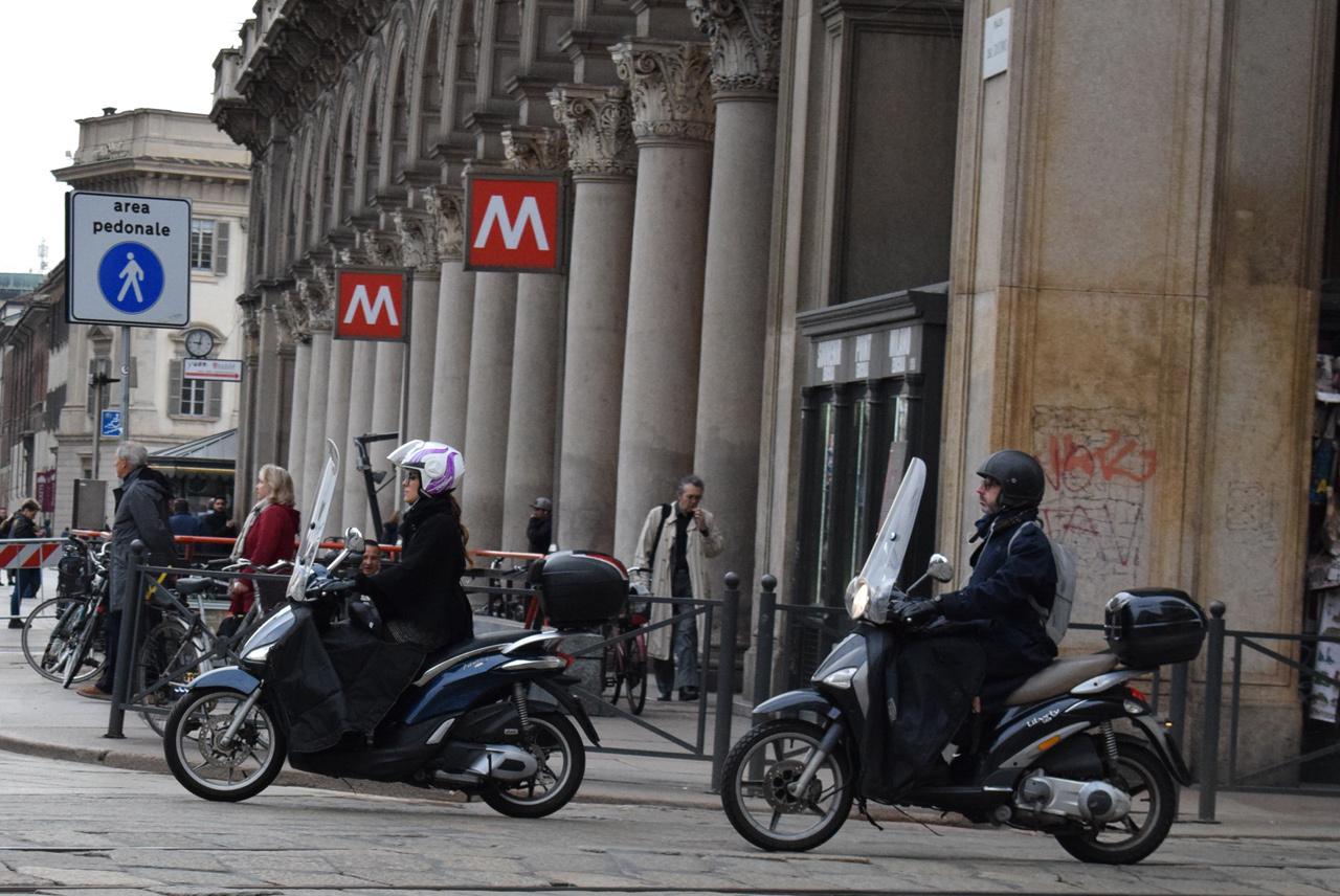 バイク天国☆イタリアの旅 その5 ミラノ街を散策_d0099181_12580642.jpg