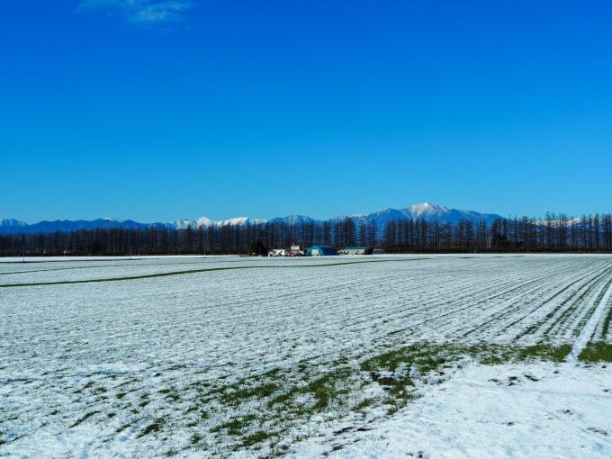 雪化粧の日高山脈~冬の晴天率の高さが移住の決め手!_f0276498_00082908.jpg