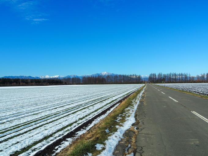 雪化粧の日高山脈~冬の晴天率の高さが移住の決め手!_f0276498_00163620.jpg