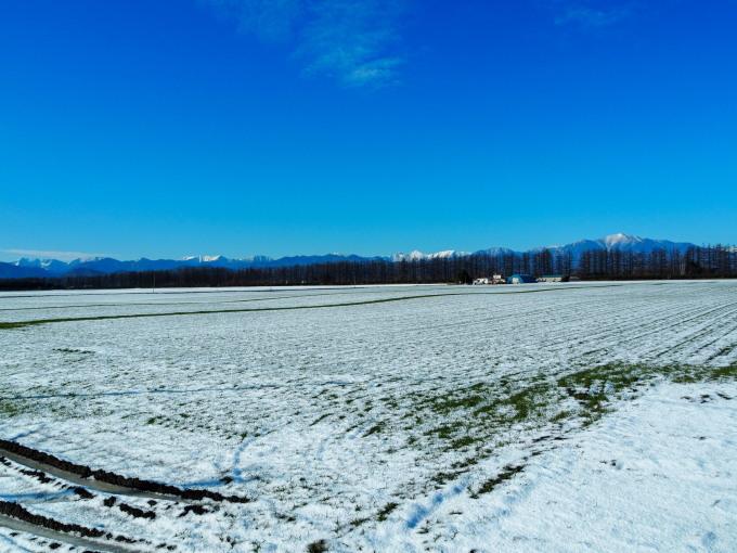 雪化粧の日高山脈~冬の晴天率の高さが移住の決め手!_f0276498_00200772.jpg