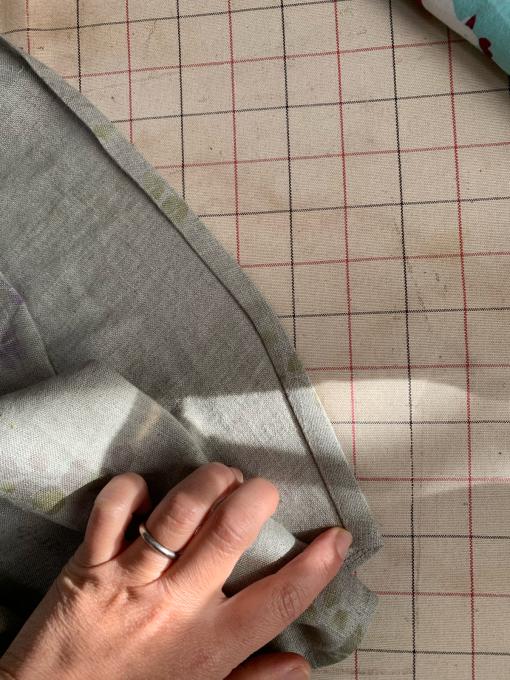 リネン裾縫いカーブの覚え書き。_c0291710_17404731.jpg