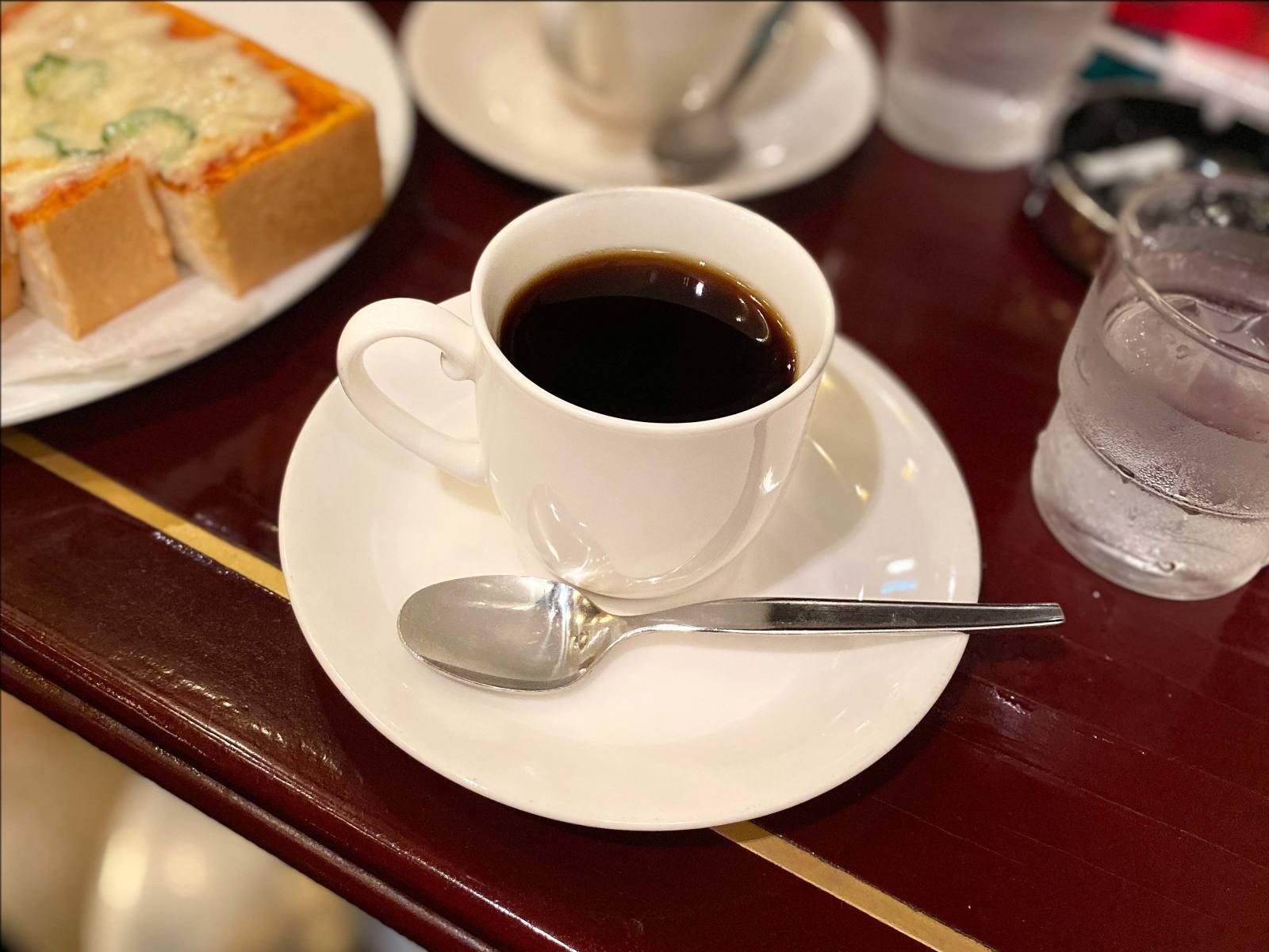 昭和にタイムスリップな純喫茶「ローヤル」@東京交通会館・有楽町_b0054329_09053714.jpg