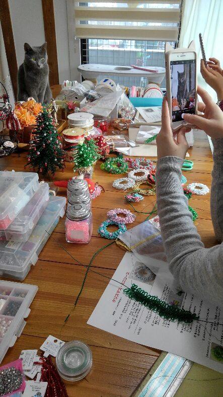 クリスマスリースのお教室開催中_d0152937_18251892.jpg