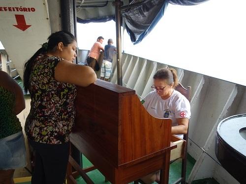 最後のハンモック船、サンタレンからベレンまで2泊3日、RONDONIA号での食事_c0030645_08084572.jpg