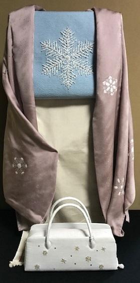 商品紹介・貴久樹パール雪の結晶八寸Xmas・藤井絞羽織。_f0181251_17542639.jpg