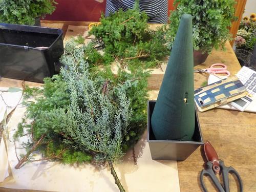 花修行 ~フレッシュハーブのクリスマスツリー~_f0232060_13161561.jpg