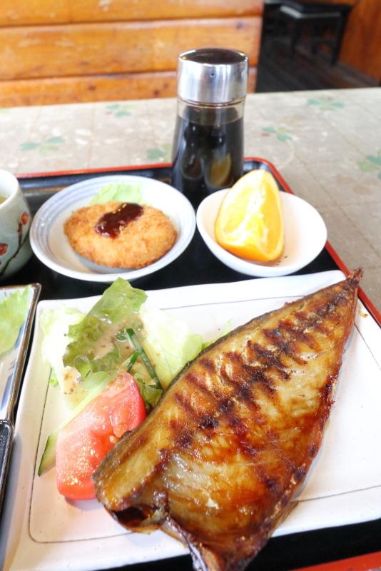 手打うどん 文吉で、焼き魚定食(うどん付)_a0077663_09014363.jpg