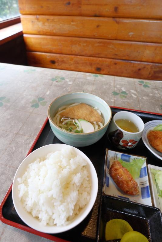 手打うどん 文吉で、焼き魚定食(うどん付)_a0077663_09014434.jpg