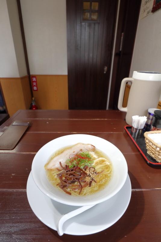 塩麺独歩 相棒で、にんにくらーめん_a0077663_09244482.jpg