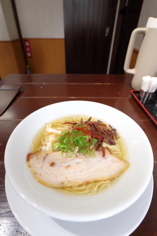 塩麺独歩 相棒で、にんにくらーめん_a0077663_09244835.jpg