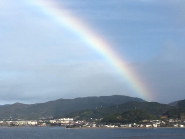 今朝の虹に感動♪_c0344679_09131130.jpg