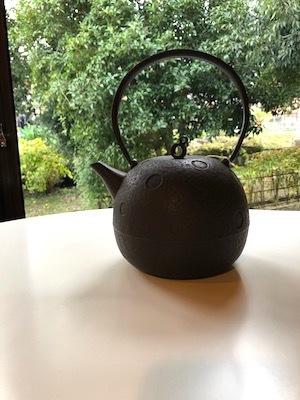 「お茶の時間を楽しむどうぐ」展 開催中3 関口さんの湯呑み、高橋さんの鉄瓶_d0177286_15472728.jpg