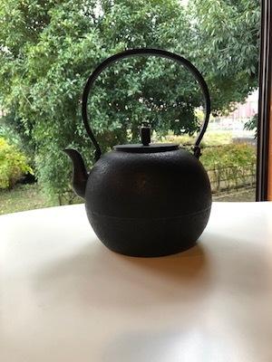 「お茶の時間を楽しむどうぐ」展 開催中3 関口さんの湯呑み、高橋さんの鉄瓶_d0177286_15475322.jpg