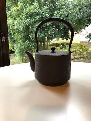「お茶の時間を楽しむどうぐ」展 開催中3 関口さんの湯呑み、高橋さんの鉄瓶_d0177286_15475631.jpg