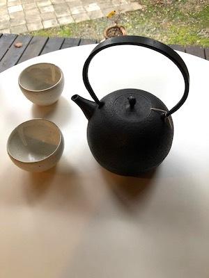 「お茶の時間を楽しむどうぐ」展 開催中3 関口さんの湯呑み、高橋さんの鉄瓶_d0177286_15480421.jpg