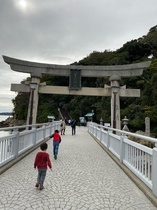竹島水族館に八百富神社、蒲郡って初めて来たけど、結構楽しい〜_b0175688_21152736.jpg