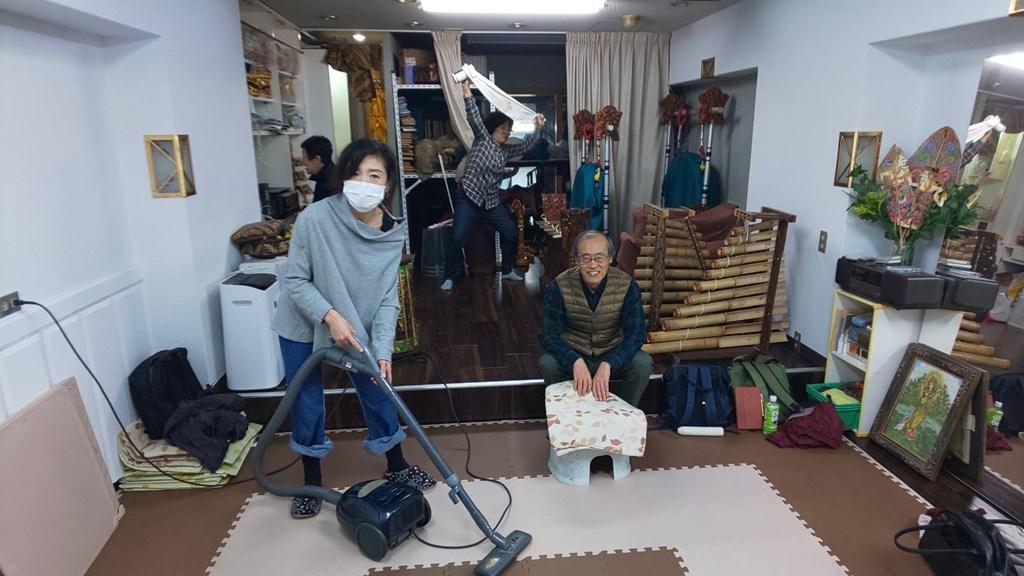 ちょっと早めの大掃除と忘年会_e0017689_23391025.jpg