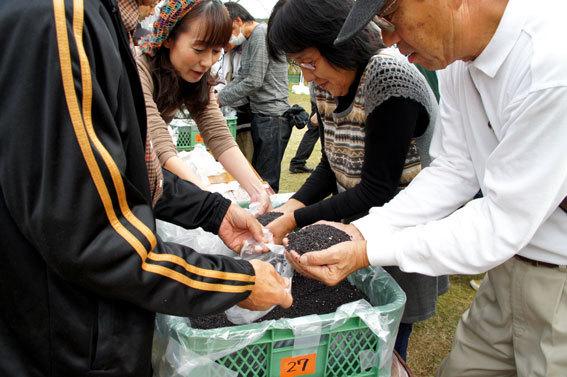 汗ばむ秋の収穫祭_b0145296_21531437.jpg