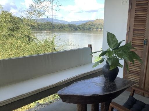 川沿いの素敵な隠れ家_b0210699_05441338.jpeg