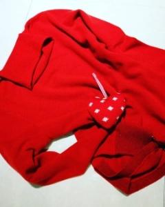 真っ赤なカシミアセーター_f0218407_17015584.jpg