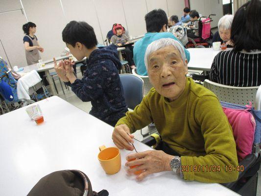11/24 日曜喫茶_a0154110_13010479.jpg